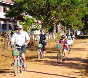 Avis Poveda Laos