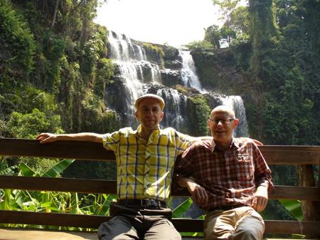 Remi et Joel – Circuit au Laos  (12 jours)