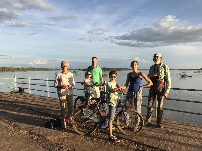 Julie et sa famille – Circuit au Sud Laos (5 jours)