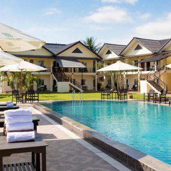 San San Resort