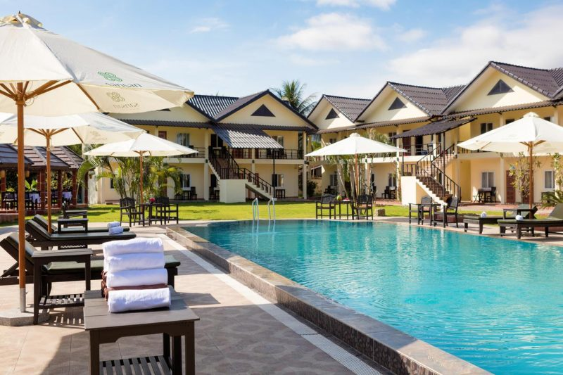 H U00f4tel San San Resort  U00e0 Vang Vieng